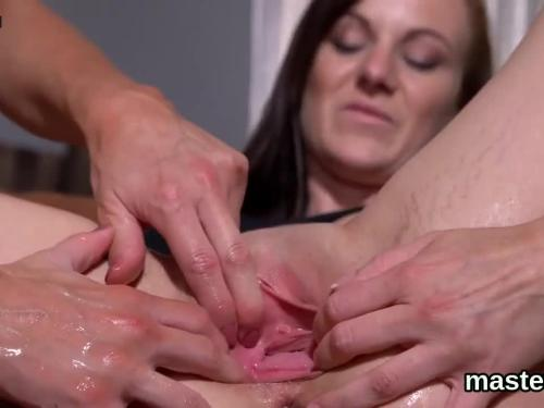 Kinky czech gapes her spread vagina into the special